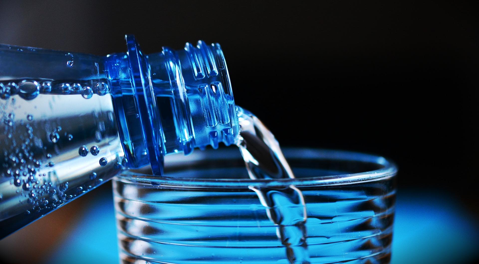 注がれる水